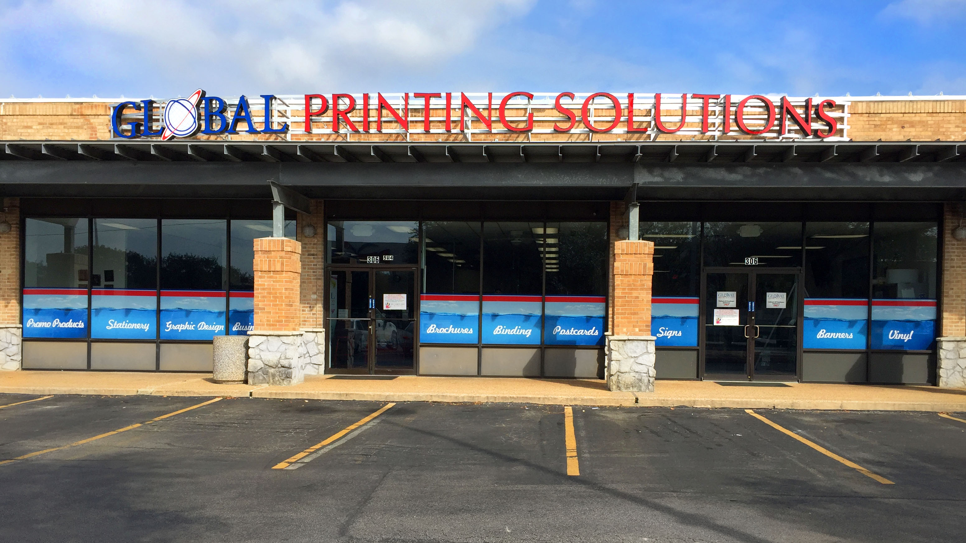 How to Choose the Right Store Front Graphics